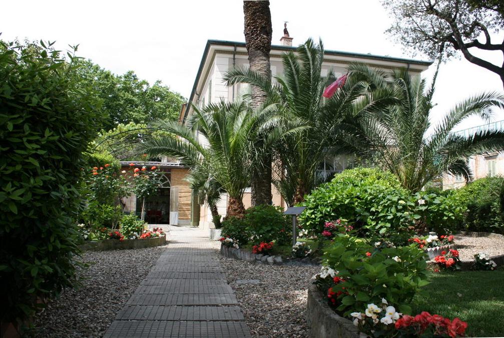 Le_jardin_cote_lac_b